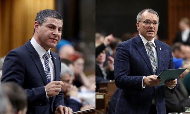 Alain Rayes et Luc Berthold déplorent le déploiement laborieux du programme Emplois d'été Canada