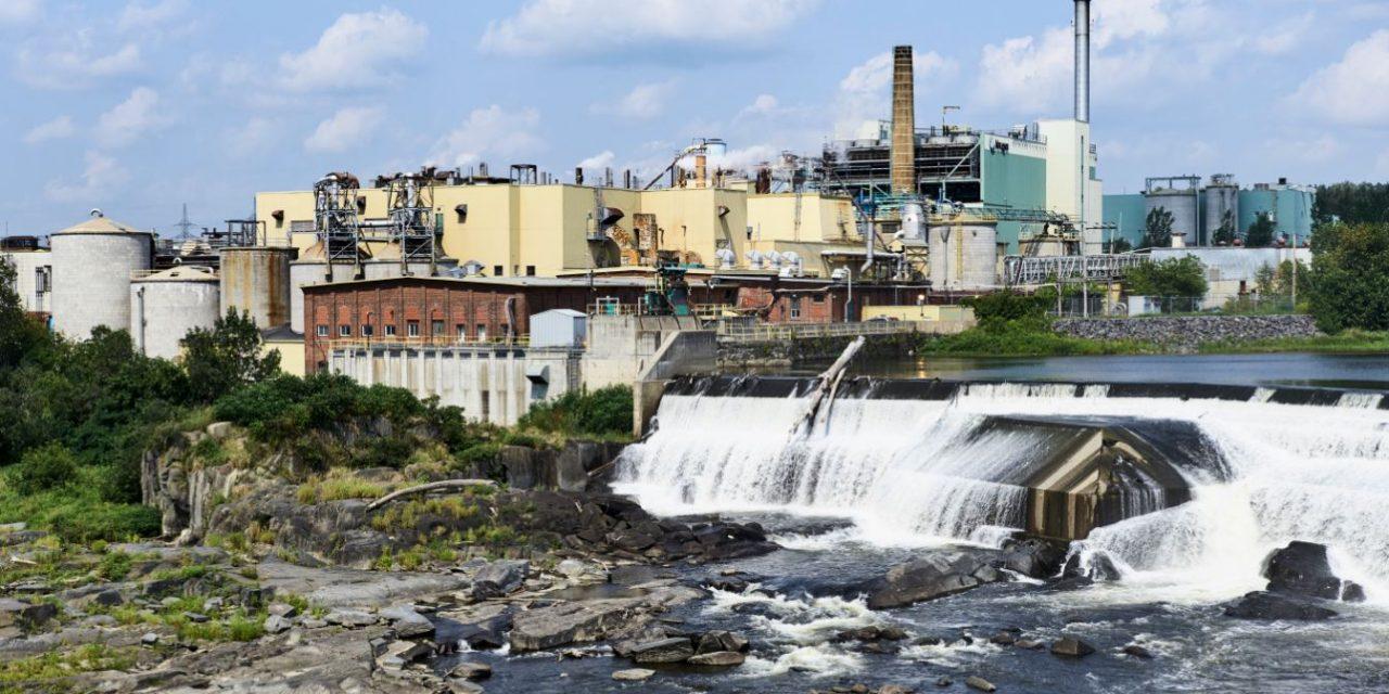 Québec accorde près de 5 millions $ pour former les employés de Produits Kruger Sherbrooke