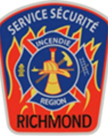 Deux sorties pour le Service incendie de la région de Richmond. Un autobus est une perte totale.